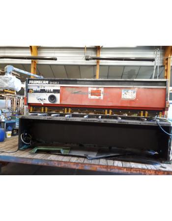 CNC Hydraulic guillotine...