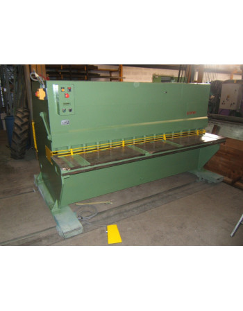 Hydraulic guillotine shears...