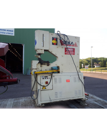 Hydraulic punching machine...